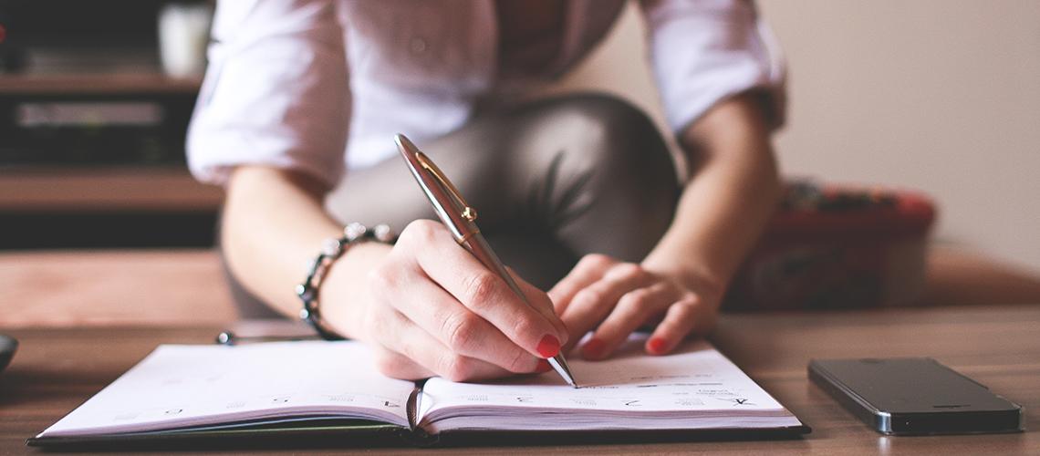 Angajatorii de top dezvaluie cum iti analizeaza CV-ul in 2 minute