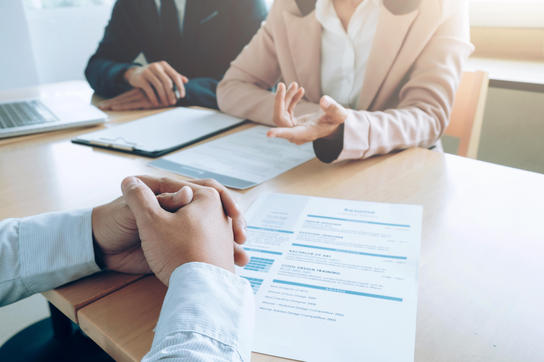 Interviul de exit: 6 intrebari pentru angajatii care demisioneaza
