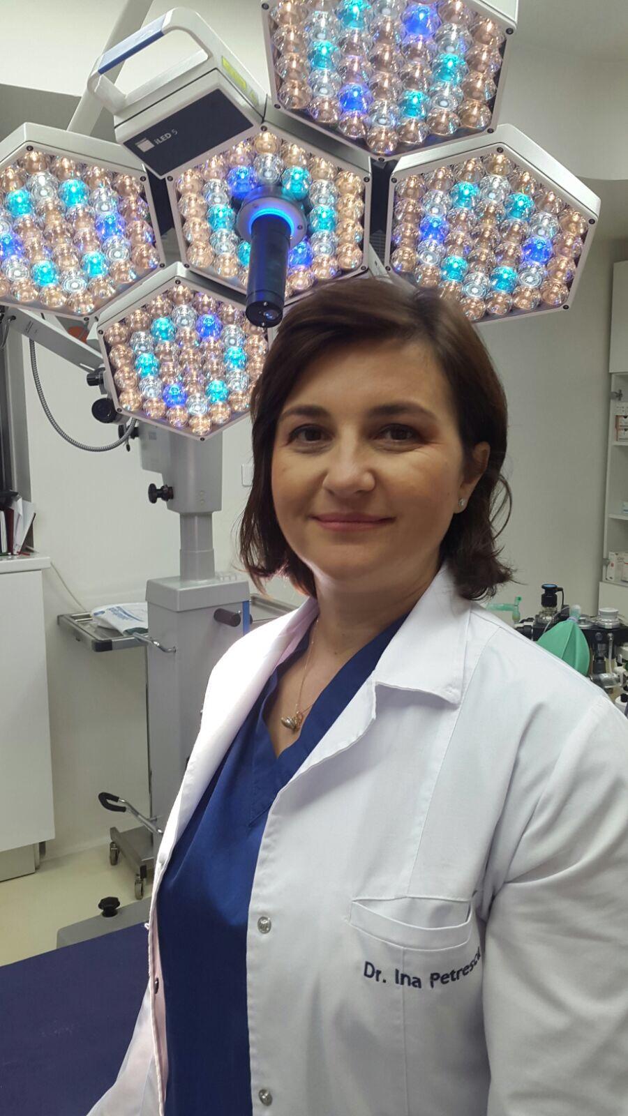 Femei in chirurgie: Chirurgie plastica si microchirurgie reconstructiva