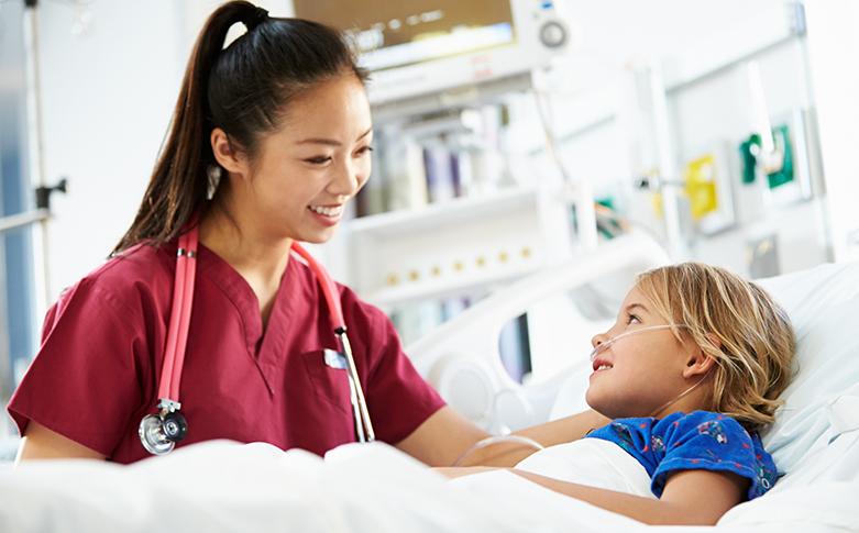 Cum este sa lucrezi ca asistent medical intr-o sectie de pediatrie