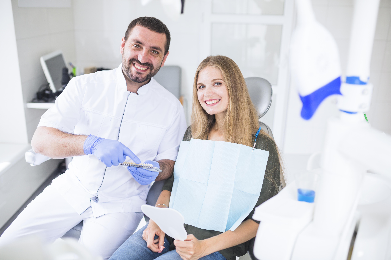 Medicii dentisti redevin medici stomatologi