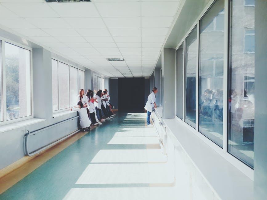 Munca de asistent medical, de la teorie la practica