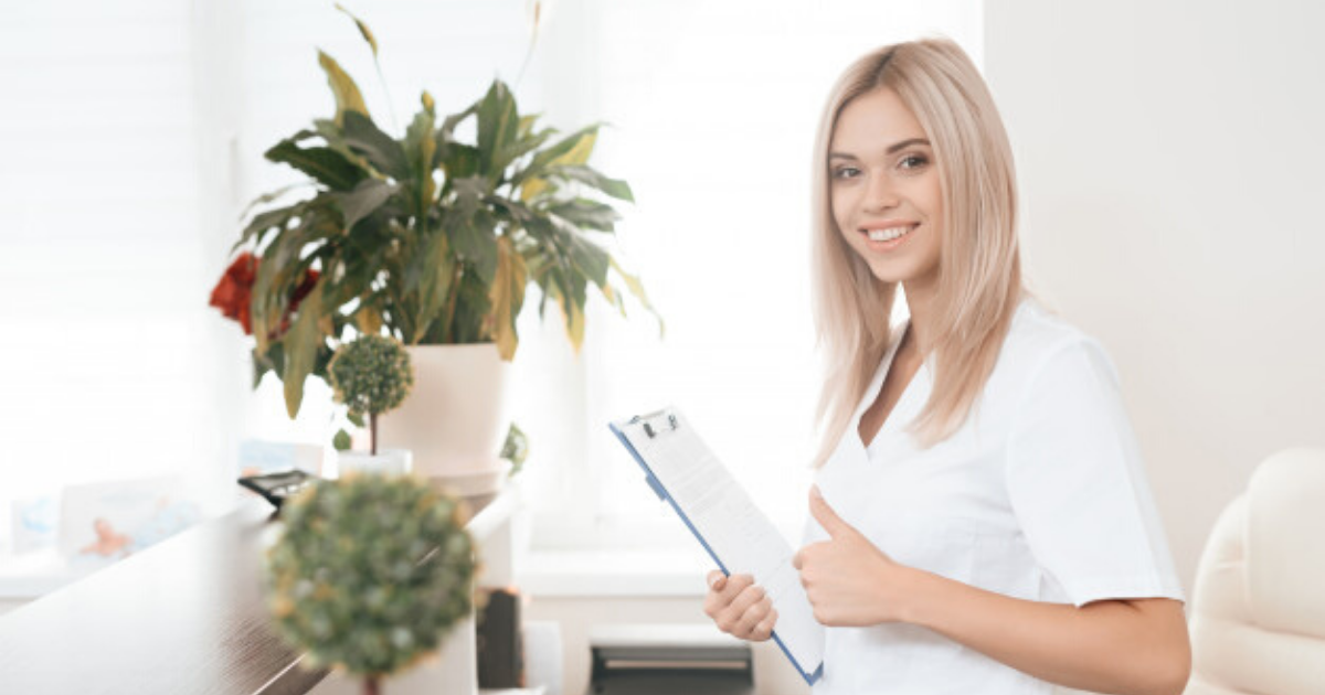 Lucrezi ca asistent medical la stat, dar te tenteaza sistemul privat?