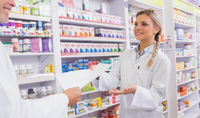 """Farmacistul clinician, """"consilierul"""" din domeniul farmaco-terapiei pentru medic si pacient"""