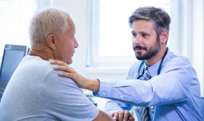 Comunicarea eficienta cu apartinatorii – sfaturi pentru medicul oncolog