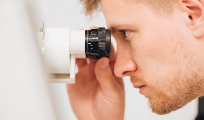 inovatii oftalmologie