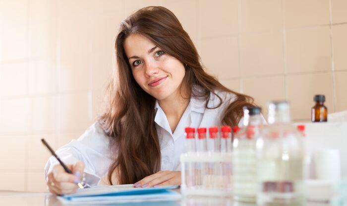 Examenele De Grad Principal Pentru Asistenții Medicali Au Fost Stabilite Pentru Luna Octombrie
